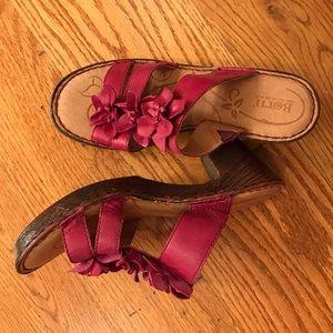 NWOT Born Platform Sandals
